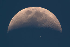 Moon,ISS
